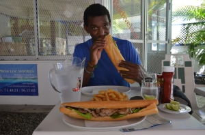 Sandwich énorme et succulent pour l'équivalent de 5€!
